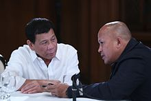 Duterte speaking with PNP Police Director General Ronald Dela Rosa in the Malacañan Palace on August 16, 2016.