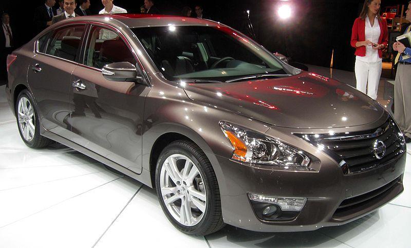 File:2013 Nissan Altima 3.5SL - 2012 NYIAS.JPG