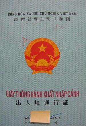 Tiếng Việt: Giấy thông hành do chính quyền Việ...