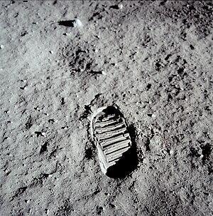 English: Footprint of Buzz Aldrin on the Moon