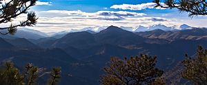 English: Westward view of the Rocky Mountains ...