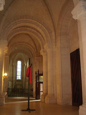 English: Narthex of the church Notre-Dame de l...