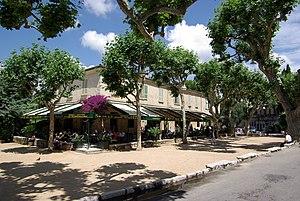 Saint-Paul-de-Vence, Place Général de Gaulle