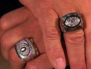 English: Joe Theismann's Superbowl Ring & Conf...