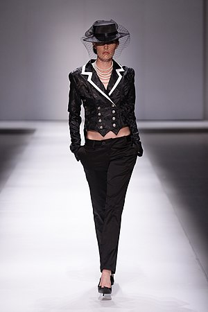 English: Runway model; Abigail Keats Autumn/Wi...