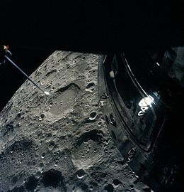 Apollo 13 passing Moon.jpg
