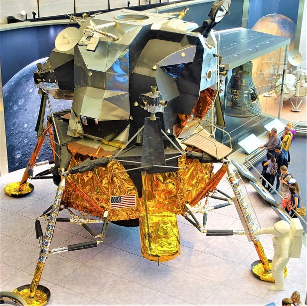 Apollo Lunar Module - www.joyofmuseums.com - National Air and Space Museum