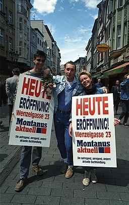 https://i2.wp.com/upload.wikimedia.org/wikipedia/commons/thumb/5/57/Bundesarchiv_B_145_Bild-F079081-0018%2C_Bonn%2C_Fu%C3%9Fg%C3%A4ngerzone%2C_Sternstra%C3%9Fe.jpg/256px-Bundesarchiv_B_145_Bild-F079081-0018%2C_Bonn%2C_Fu%C3%9Fg%C3%A4ngerzone%2C_Sternstra%C3%9Fe.jpg