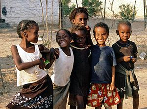 English: Children in Khorixas, Namibia Deutsch...