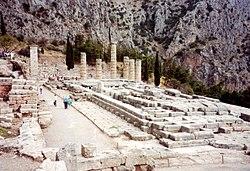 Đền thờ thần Apollo ở Delphi