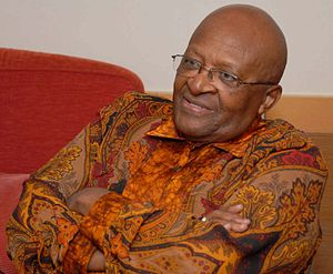 English: Desmond Tutu in San Diego, California...