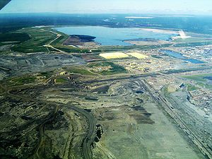 English: This is a picture of Syncrude's base ...