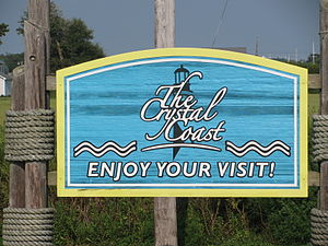 English: Welcome to the Crystal Coast sign