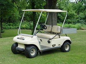 English: A picture of a Club Car 84 golf cart....