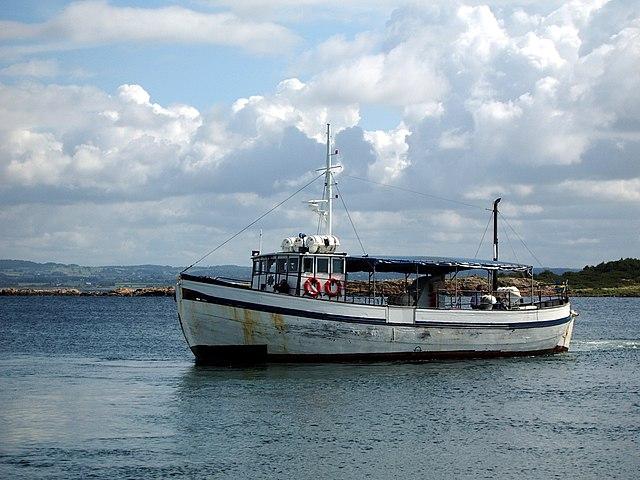 Sista båten på väg hem