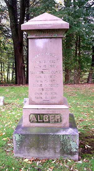 English: Grave of American author Horatio Alge...
