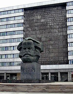 Deutsch: Foto des Karl-Marx-Denkmals Nischel i...