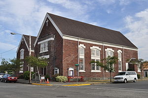 English: United Church, Raymond, Washington, U...
