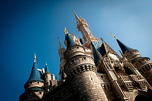 English: Cinderella Castle at Magic Kingdom, W...