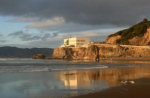 English: Cliff House from Ocean Beach