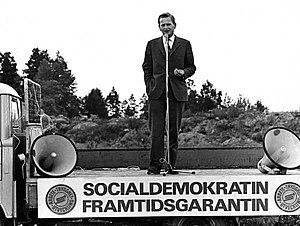 Dansk: Olof Palme, daværende svensk undervisni...