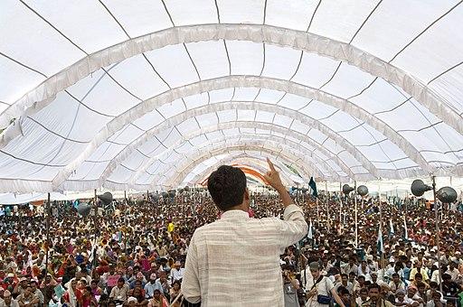 Rajagopal speaking to 25,000 people, Janadesh 2007, India