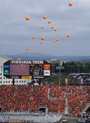 Virginia Tech releases 32 balloons prior to th...
