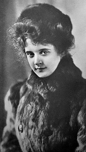 English: Billie Burke, American actress, early...