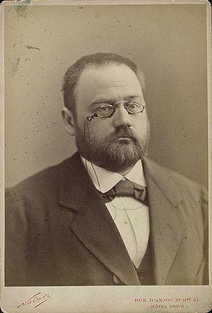 English: Emile Zola, French writer, at the beg...
