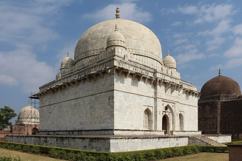 File:Hoshang Shah's Tomb 02.jpg