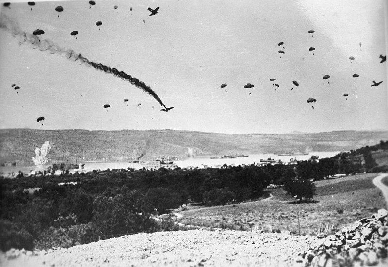 File:Paratroopers Crete '41.JPG