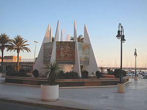 monumento a las Habaneras, en el puerto
