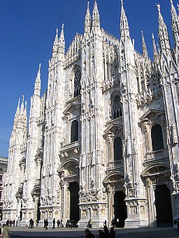 https://i2.wp.com/upload.wikimedia.org/wikipedia/commons/thumb/5/5c/858MilanoDuomo.JPG/256px-858MilanoDuomo.JPG