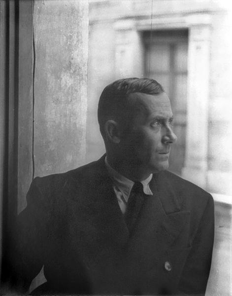 File:Portrait of Joan Miro, Barcelona 1935 June 13.jpg