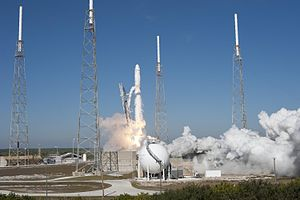 English: SpaceX's Falcon 9 rocket and Dragon s...