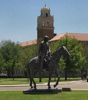 The Will Rogers and Soapsuds statue at Texas T...