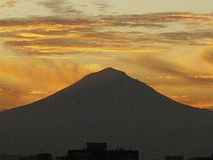 Volcano Popocatepetl, from Mexico City. Españo...