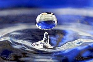 English: Water drop. Español: Gota de agua.