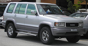Front quarter view of a second generation Isuz...