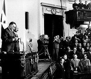 Gamal Abdel Nasser takes presidential oath for...