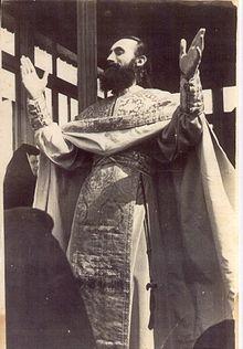 Părintele Ioan invocând Duhul Sfânt.jpg