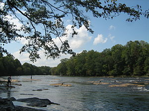 English: Chattahoochee River in Norcross, Geor...
