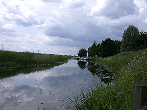 English: River Nene from under the Isle of Ely Way