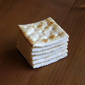 A stack of six Nabisco brand saltines