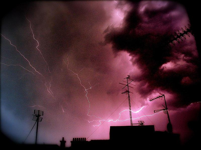 Archivo:Tormenta sobre Madrid (Salamanca) 01.jpg