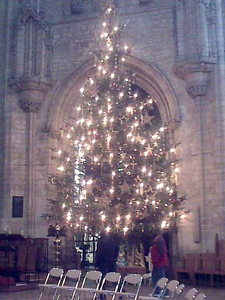 File:ChristmasTree ElyCathedral.jpg