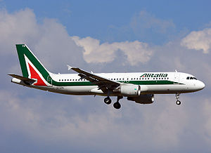 Alitalia Airbus A320 (EI-DTM).