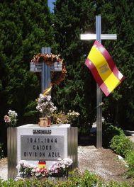 Monument dédié à la Division Azul situé à Almudena.