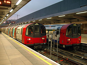 1996 stock used on Jubilee Line by London Unde...