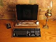 Computer da tavolo in stile steampunk